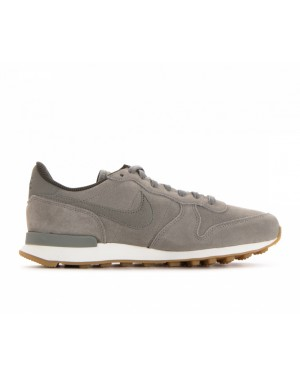 872922-005 Nike Femme Internationalist SE - Dark Stucco/Dark Stucco-Cargo Khaki