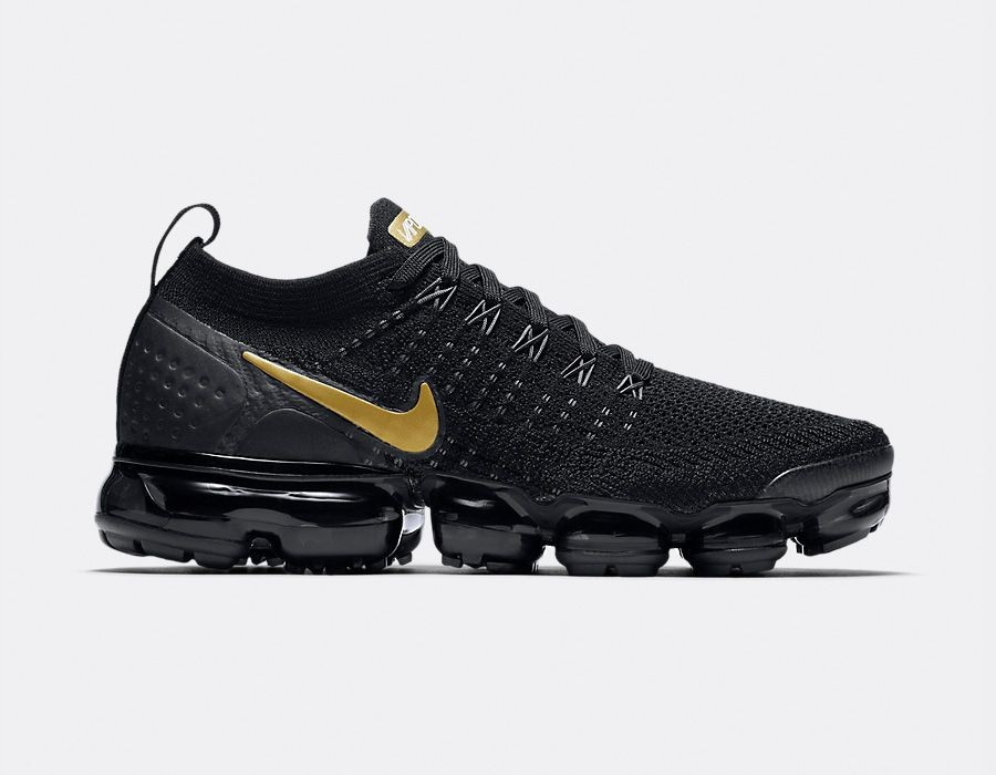 942843-012 Nike Femme Air VaporMax Flyknit 2 - Noir/Metallic Gold-Metallic Platinum