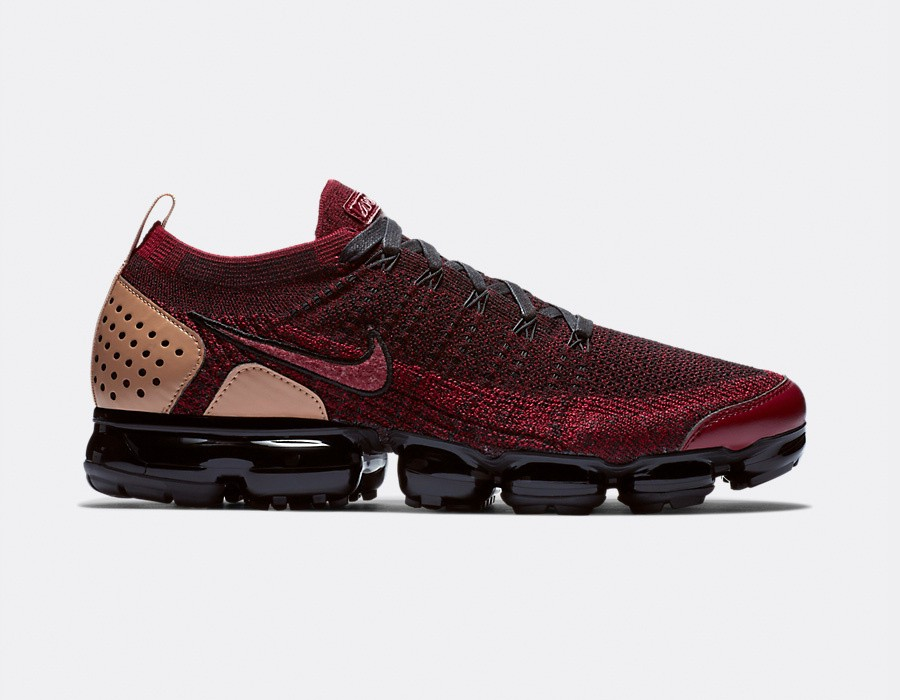 AT8955-600 Nike Air Vapormax FK 2 NRG - Rouge/Noir-Vachetta Tan