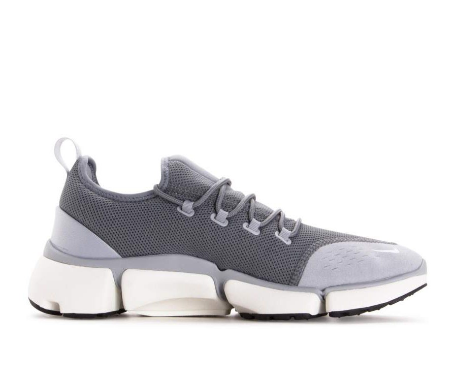 AJ9520-005 Nike Pocket Fly Dm Chaussures - Grise/Blanche/Grise-Sail