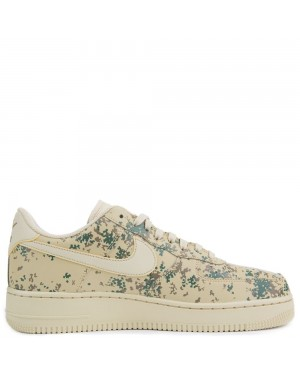 823511-700 Nike Air Force 1 07' LV8 - Or/Or-Golden Beige