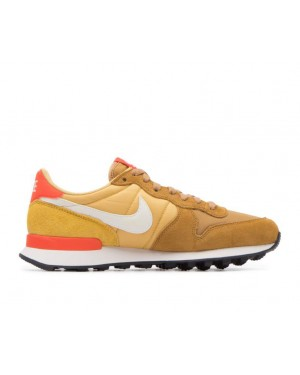 828407-207 Nike Femme Internationalist - Muted Bronze/Blanche-Wheat Or